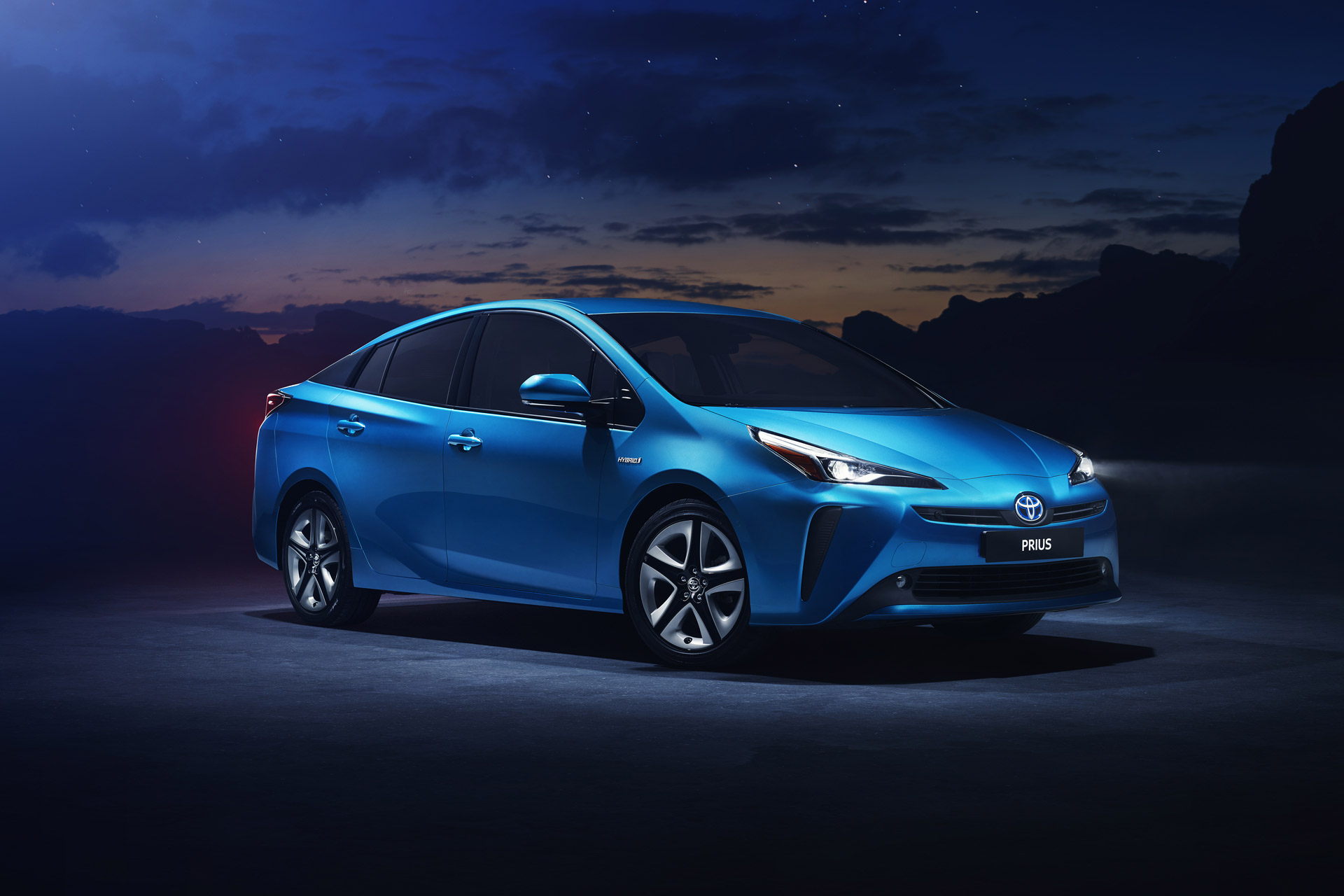 2019 Toyota Prius AWD-i