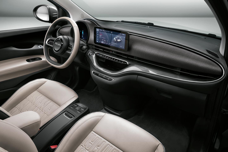 New Fiat 500 electric La Prima dashboard