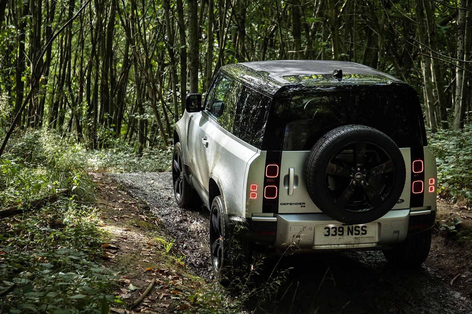 2020 Land Rover Defender 90 Off-road